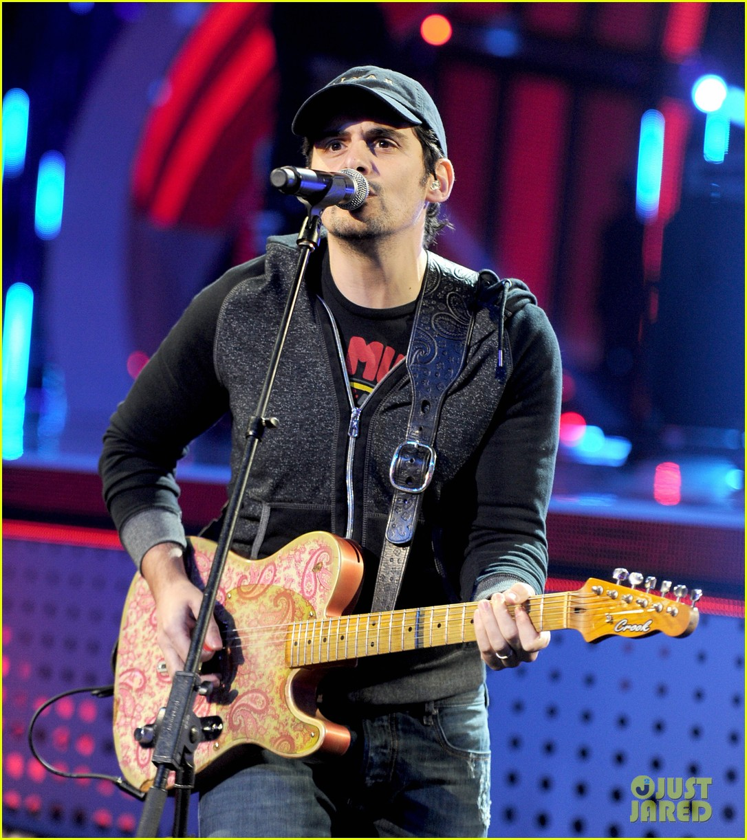brad paisley onerepublic peoples choice awards 2014 rehearsals 01