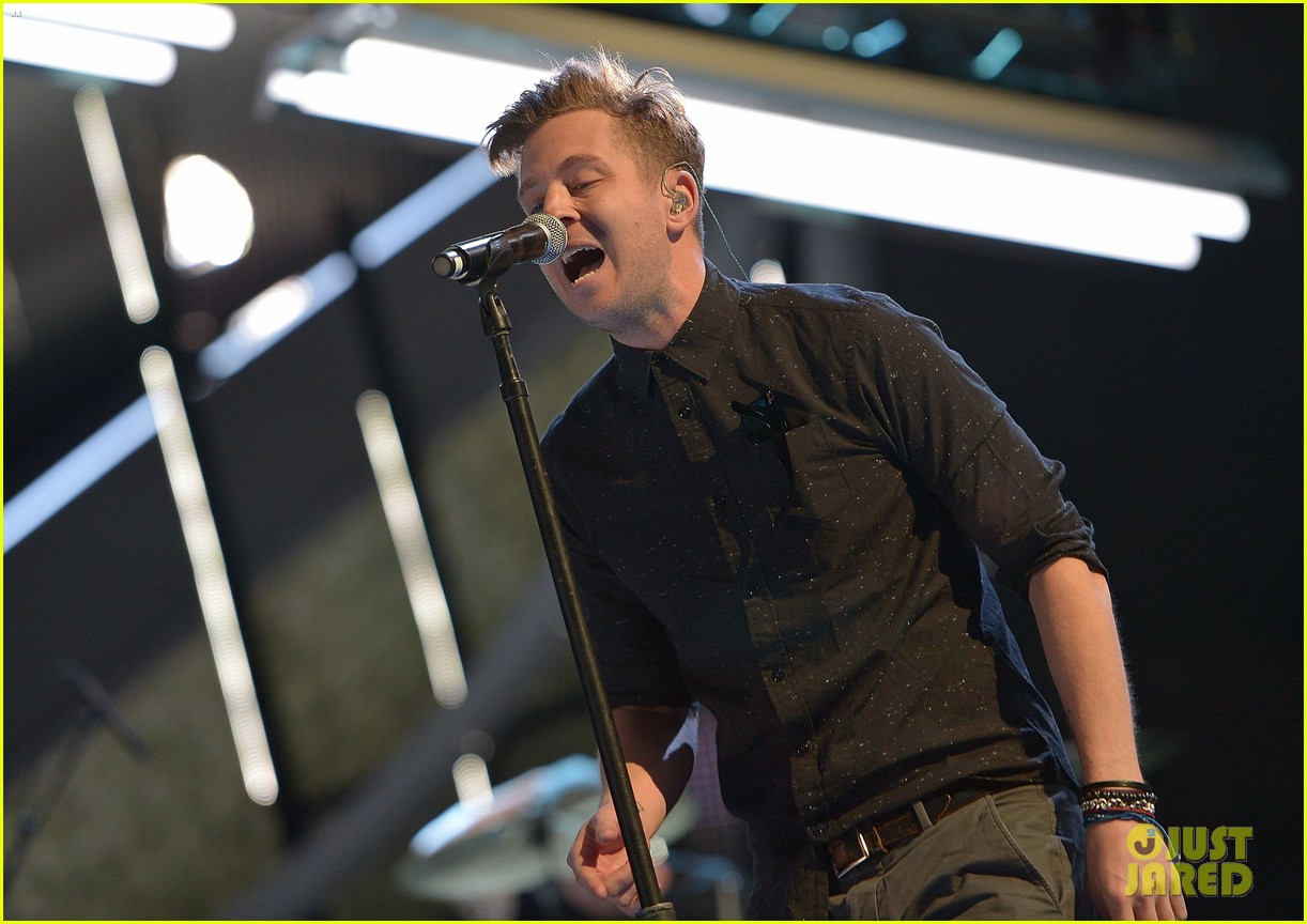brad paisley onerepublic peoples choice awards 2014 rehearsals 093025428