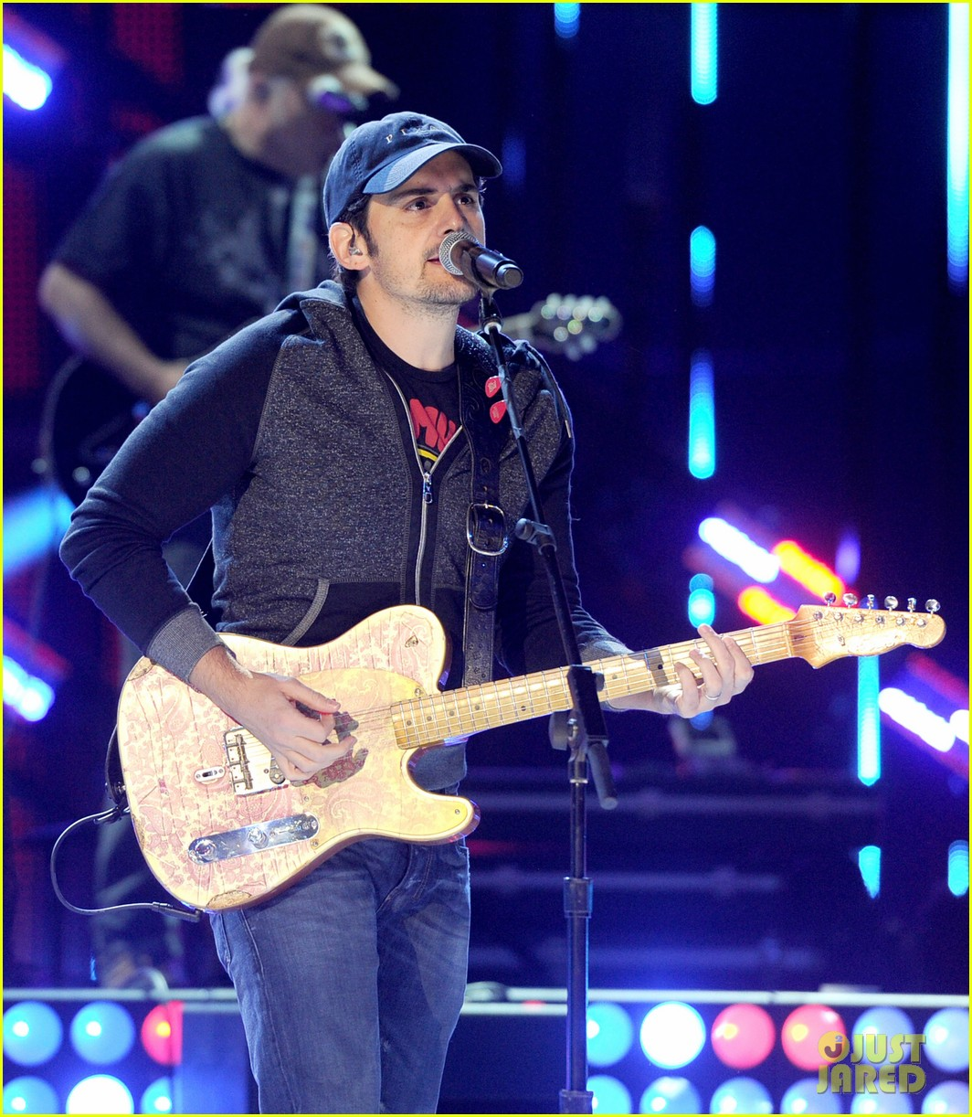 brad paisley onerepublic peoples choice awards 2014 rehearsals 183025437
