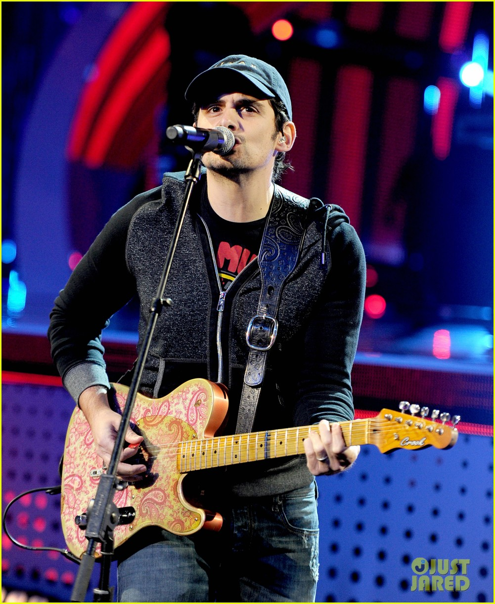 brad paisley onerepublic peoples choice awards 2014 rehearsals 193025438