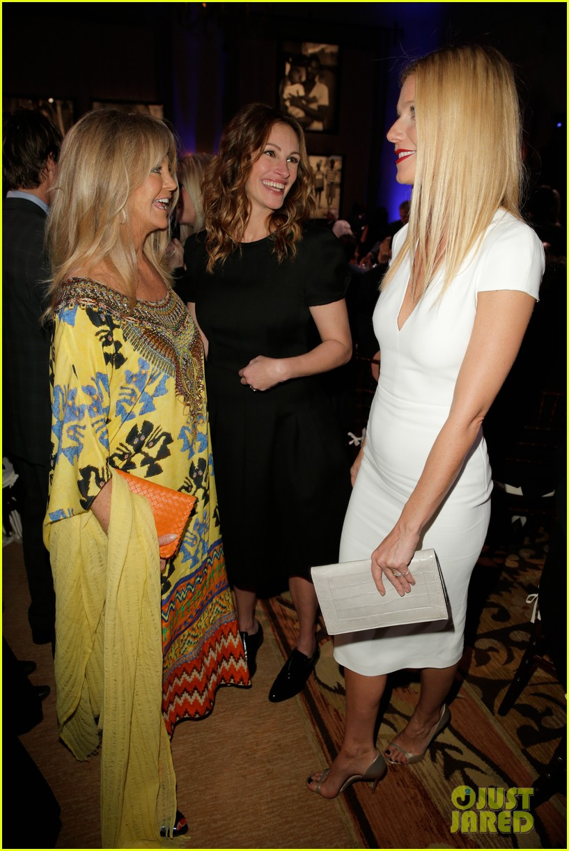 gwyneth paltrow julia roberts help haiti home gala 2014 05