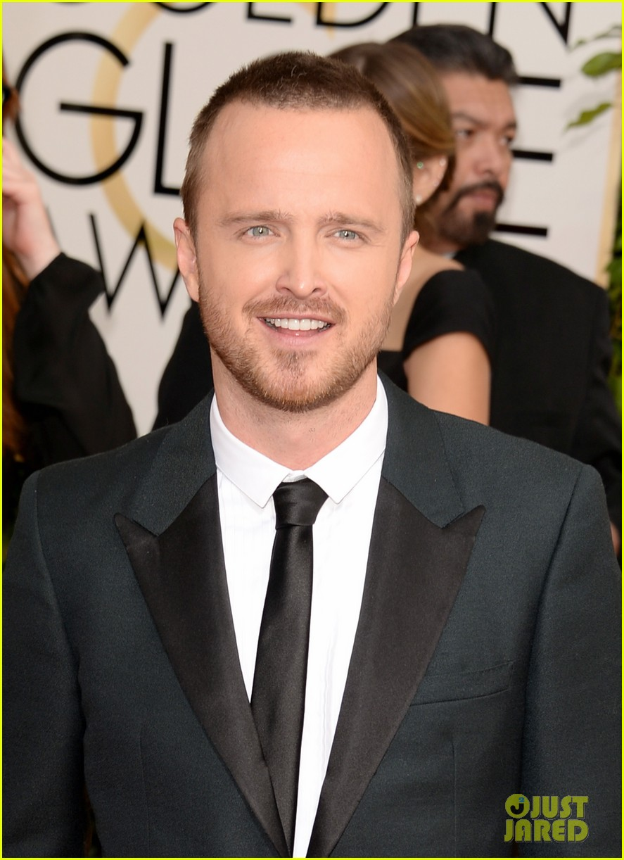 aaron paul bryan cranston golden globes 2014 red carpet 023029442