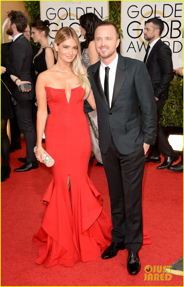 aaron paul bryan cranston golden globes 2014 red carpet 053029445
