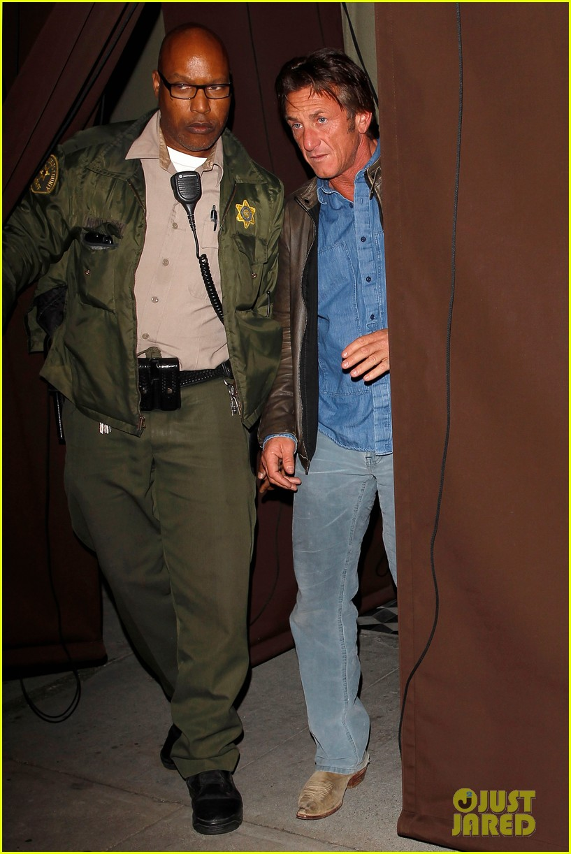 sean penn gets police escort out of solo dinner 033024471