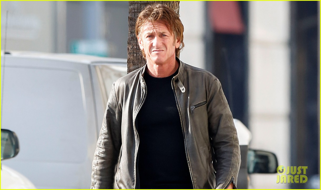 sean penn steps out solo after charlize theron relationship confirmation 023039421