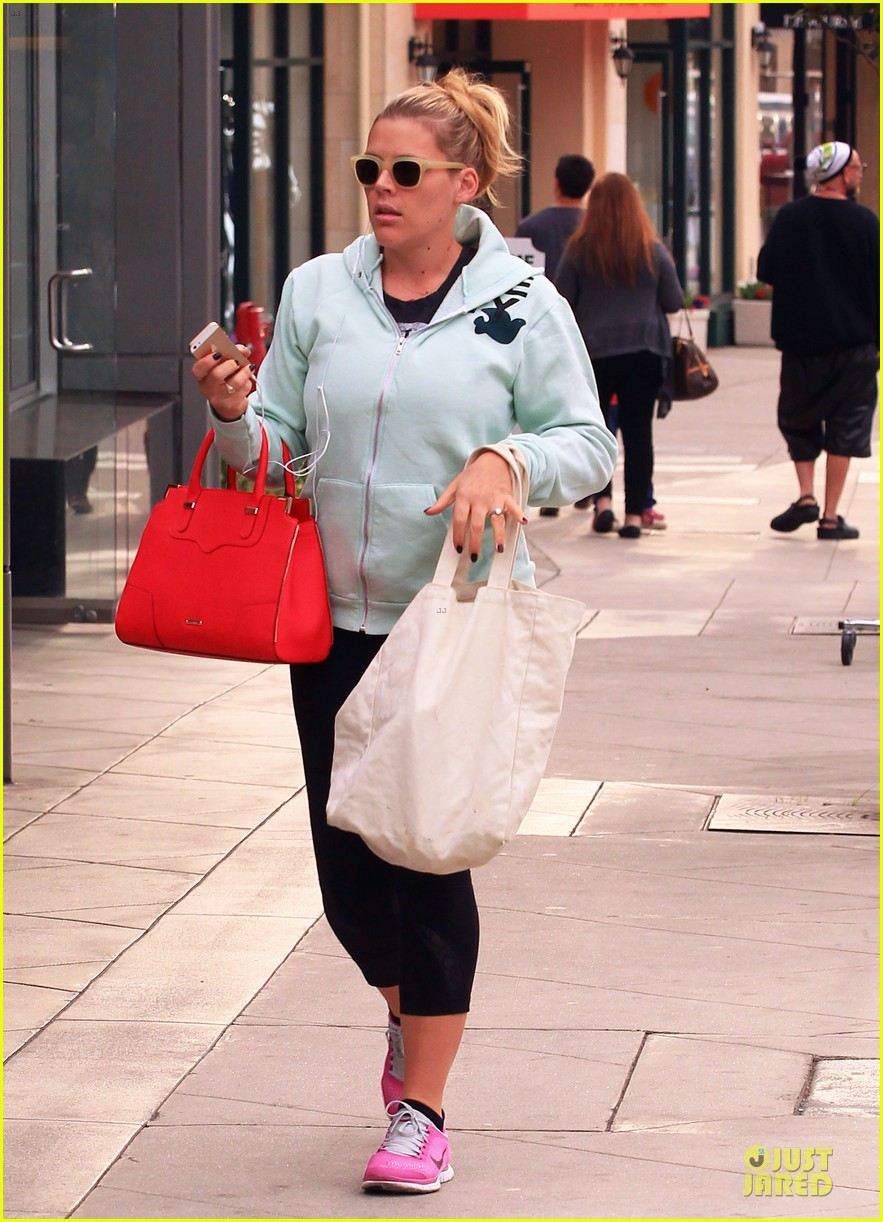 busy philipps my day is ruined after seeing a dead dog 05