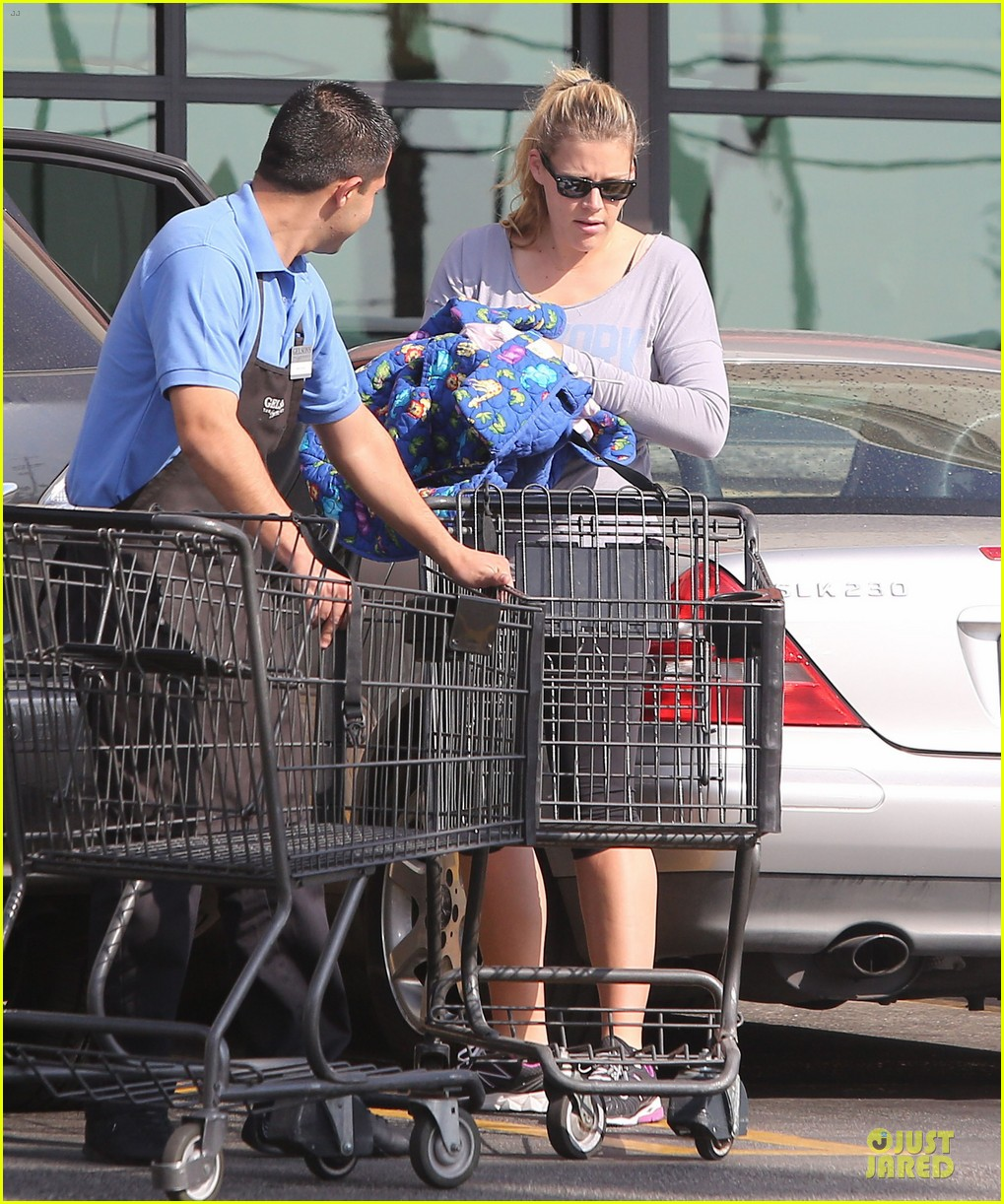 busy philipps my day is ruined after seeing a dead dog 09