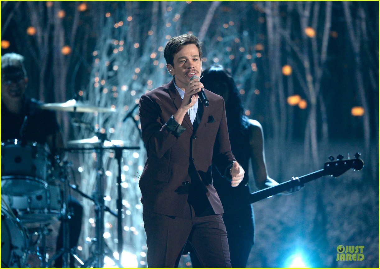 pink nate ruess performs give me a reason at grammys 2014 video 14