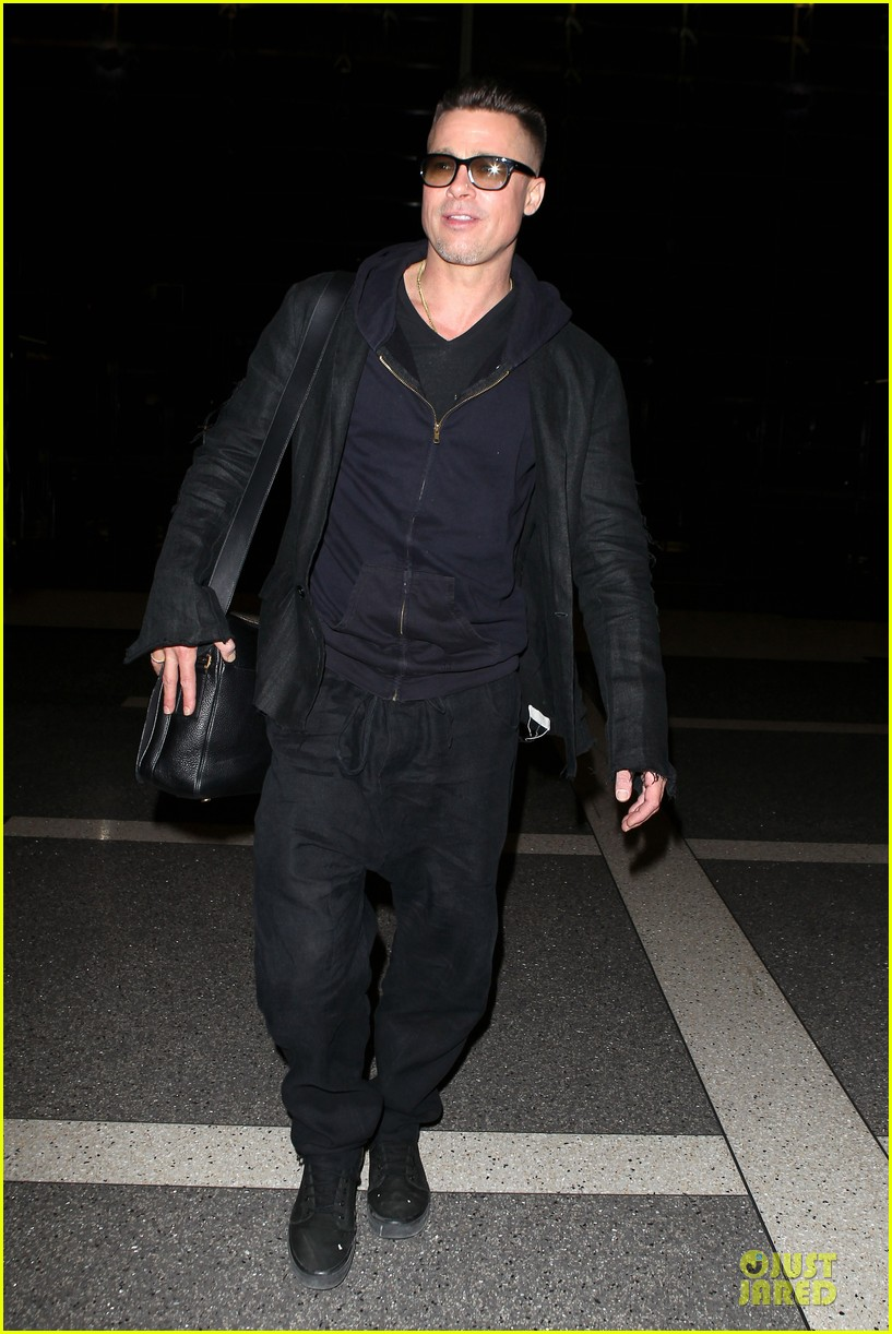 brad pitt lax departure after producers guild awards 14