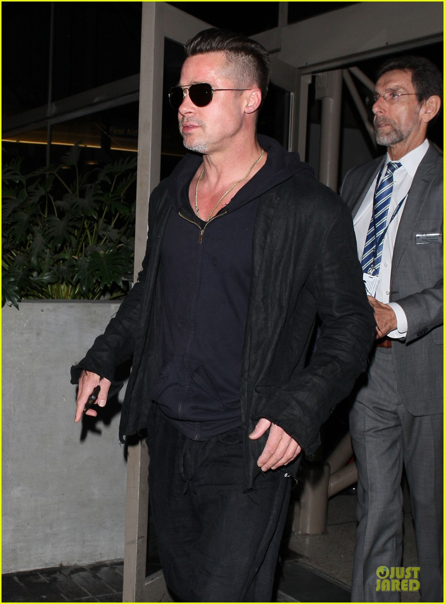 brad pitt lax arrival after angelina jolie difret news 123034048