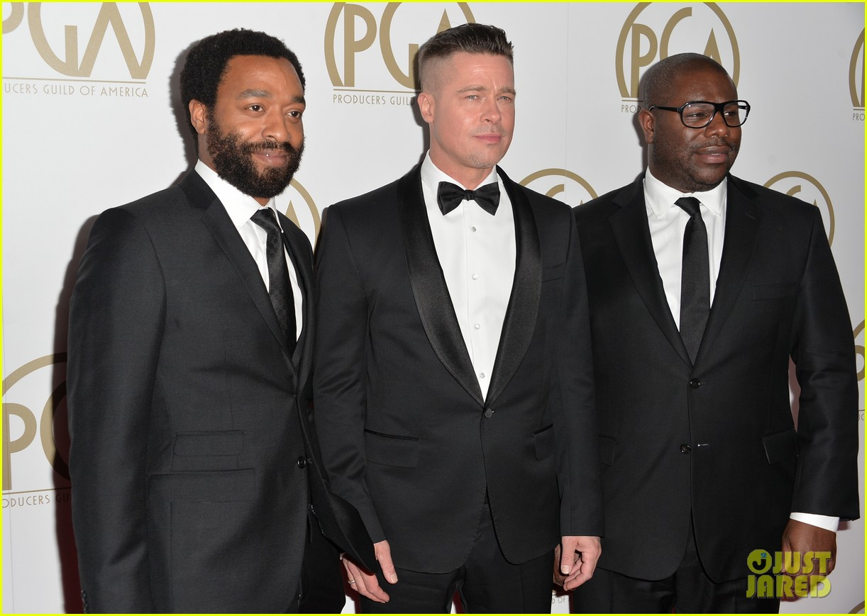 brad pitt producers guild awards 2014 with chiwetel ejiofor 033035866