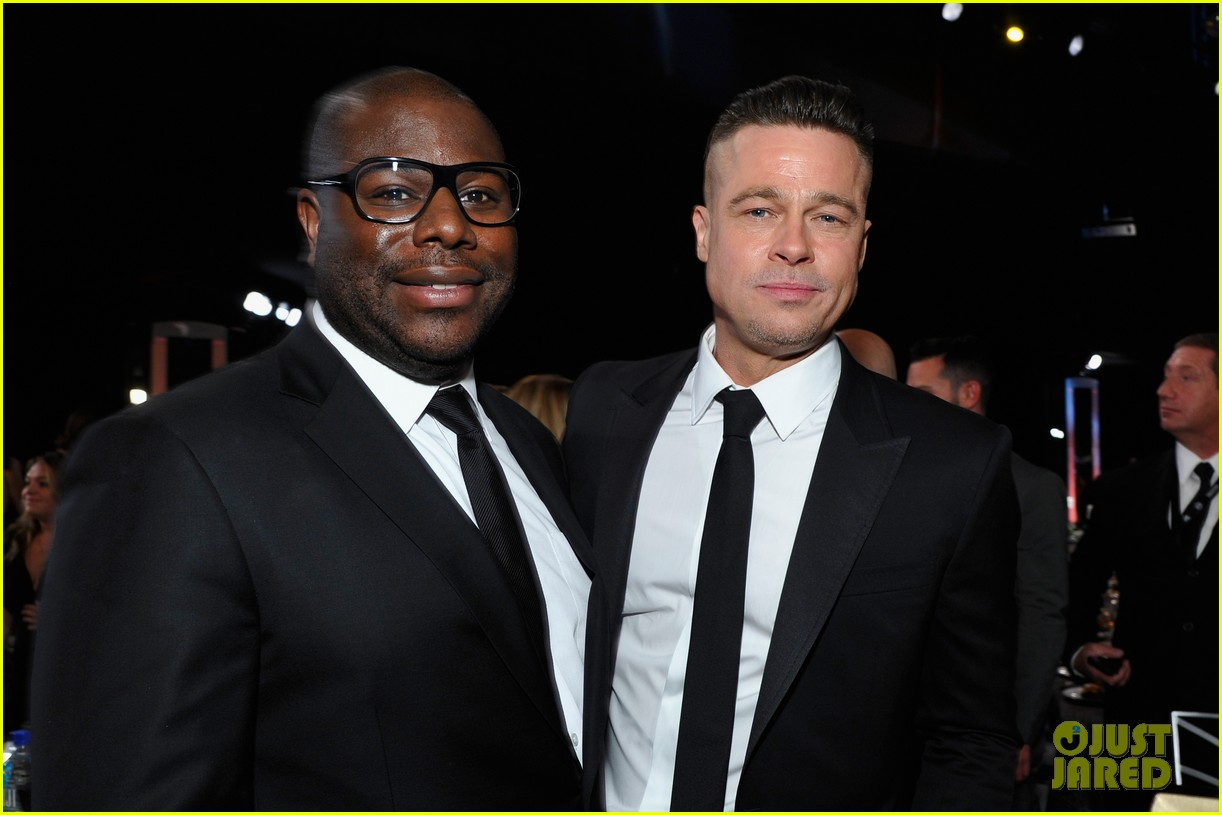 brad pitt sag awards 2014 with steve mcqueen 01