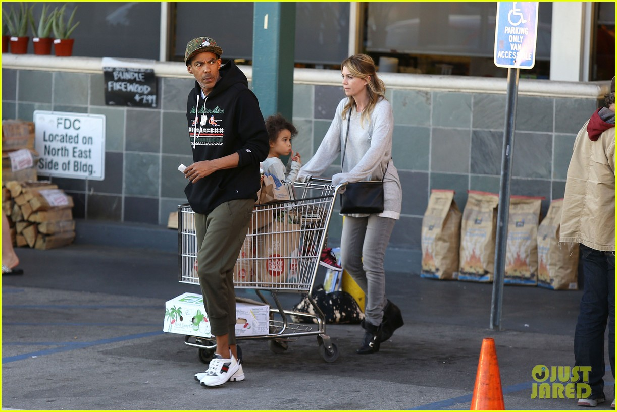 ellen pompeo spills her coconuts in whole foods lot 17