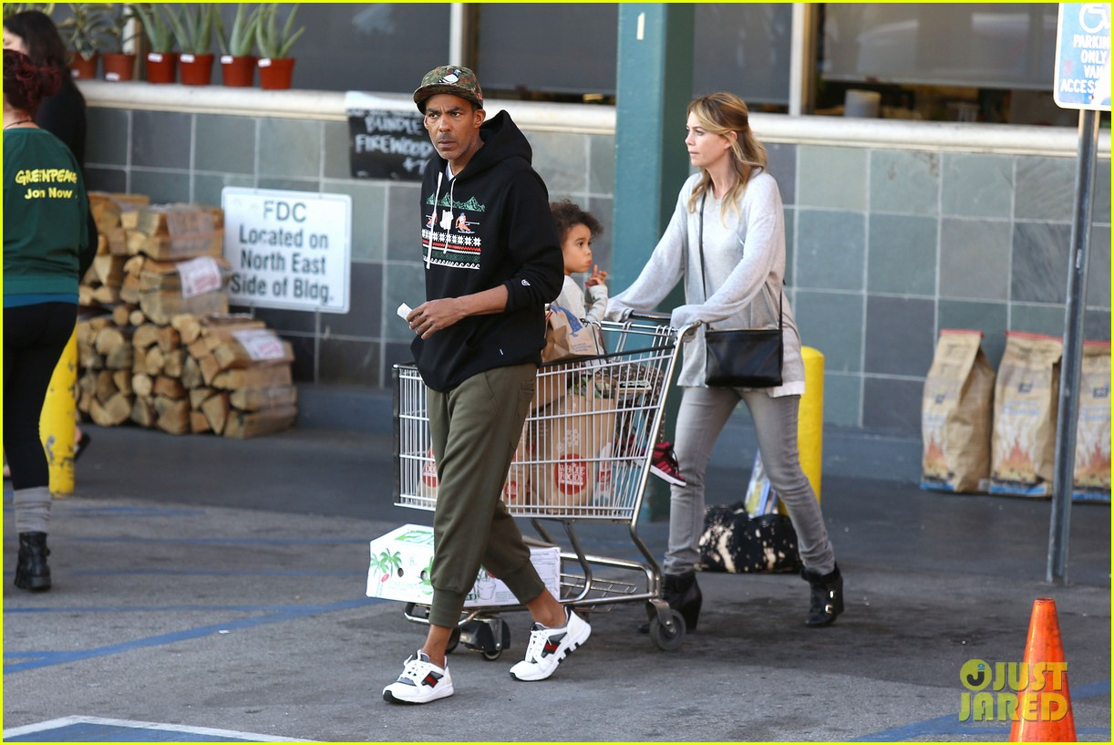ellen pompeo spills her coconuts in whole foods lot 18