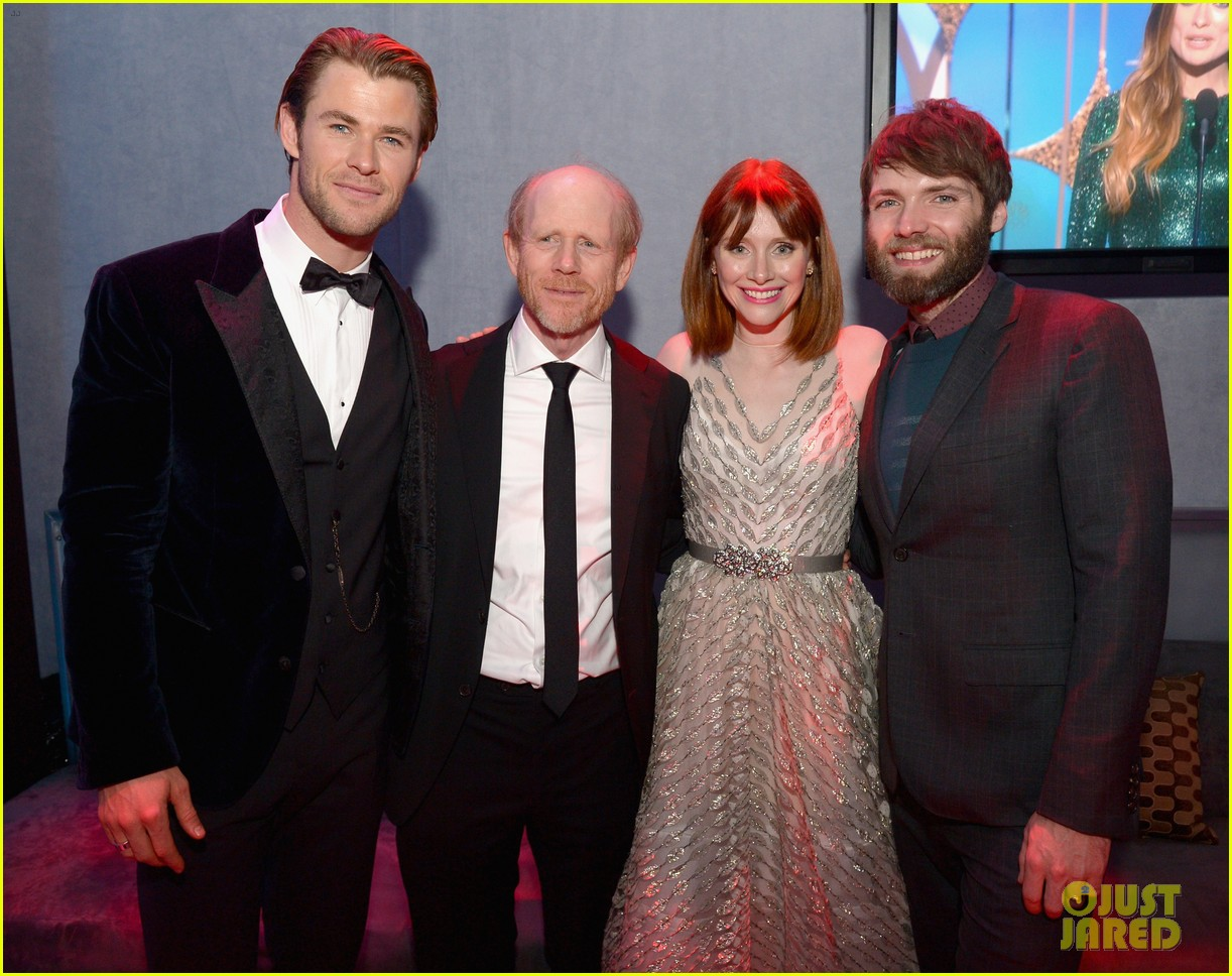 http://cdn03.cdn.justjared.com/wp-content/uploads/2014/01/pratt-globes/chris-pratt-bryce-dallas-howard-meet-at-golden-globes-2014-03.jpg