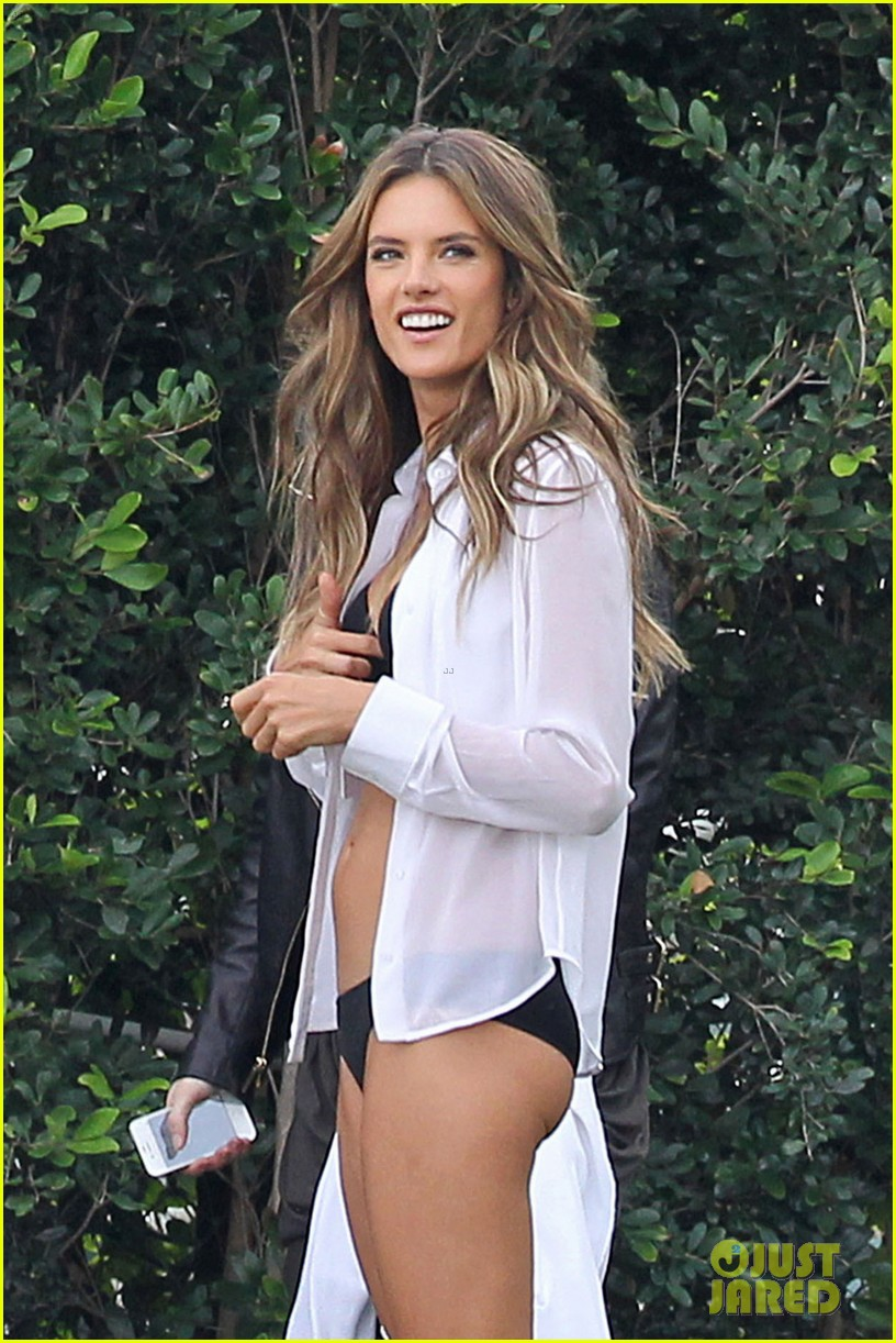 behati prinsloo alessandra ambrosios bikini bodies will make you head to the gym right now 07