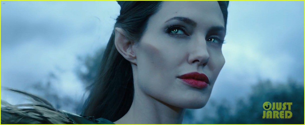 lana del rey sings in angelina jolies new maleficent trailer 04