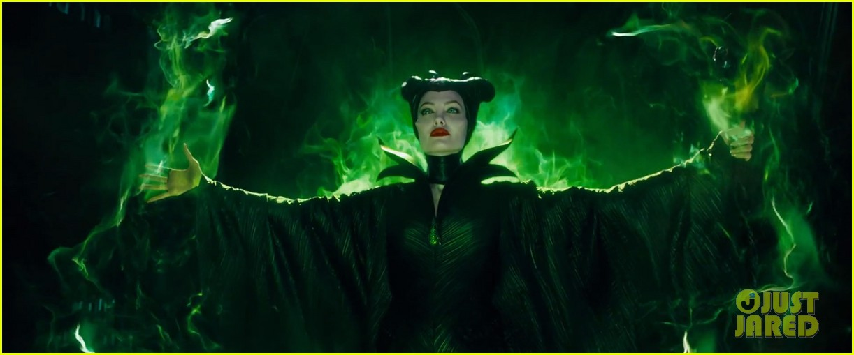 lana del rey sings in angelina jolies new maleficent trailer 08