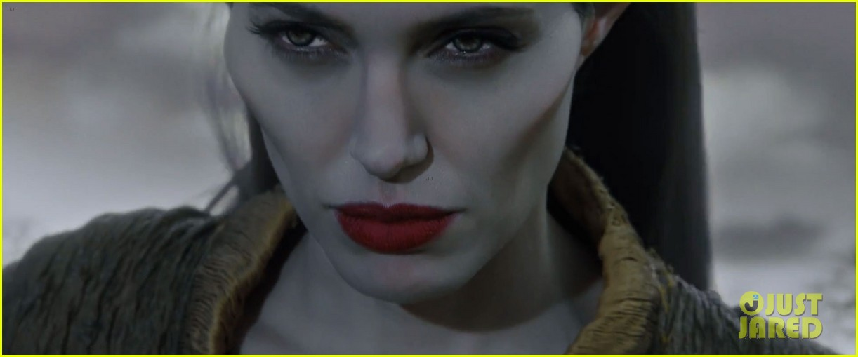 lana del rey sings in angelina jolies new maleficent trailer 12