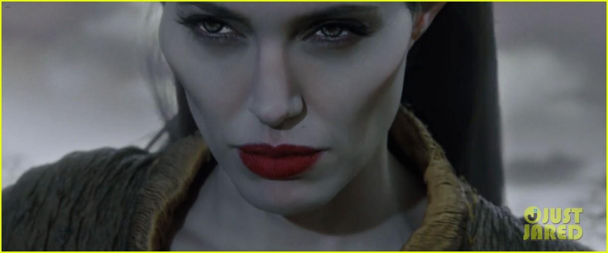 lana del rey sings in angelina jolies new maleficent trailer 123041356