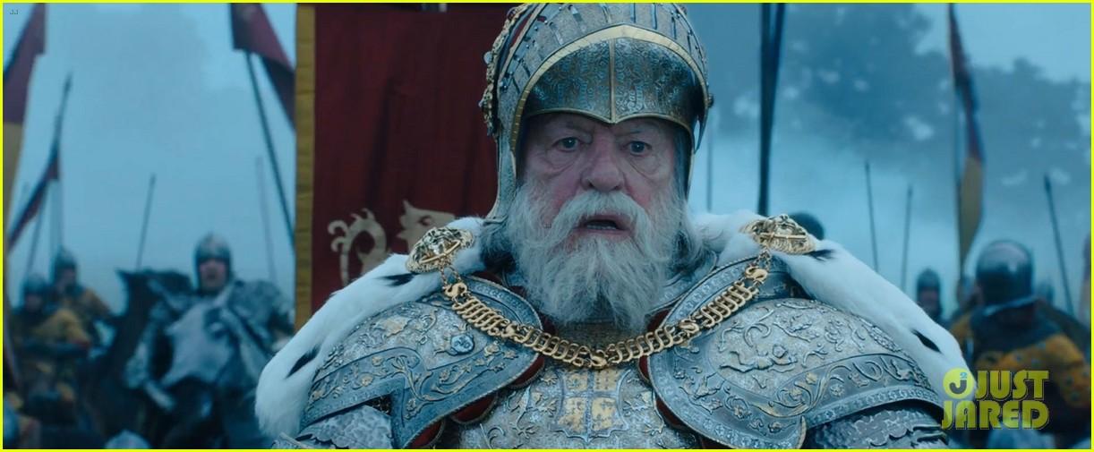 lana del rey sings in angelina jolies new maleficent trailer 13