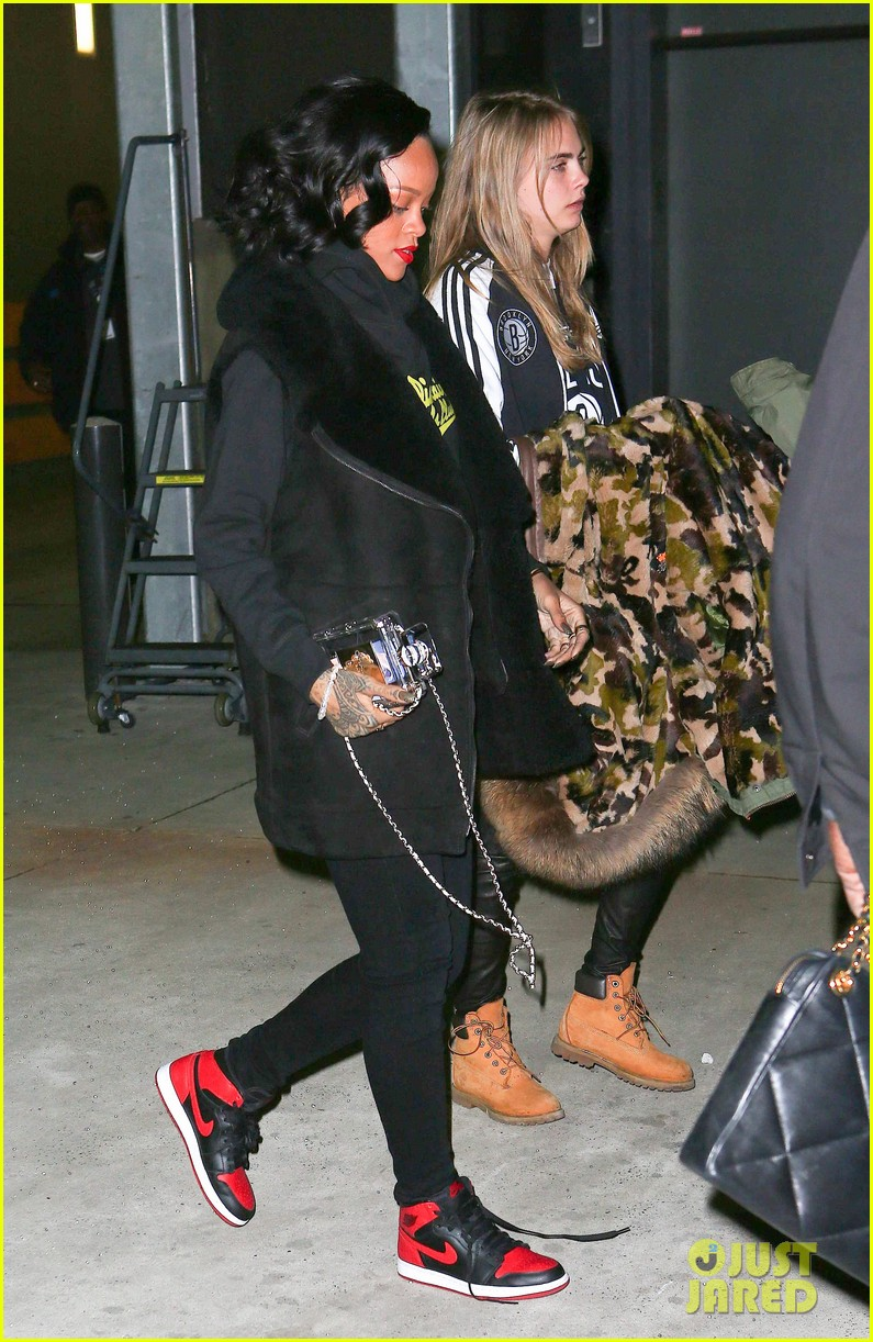 rihanna cara delevingne root for brooklyn nets 053024369