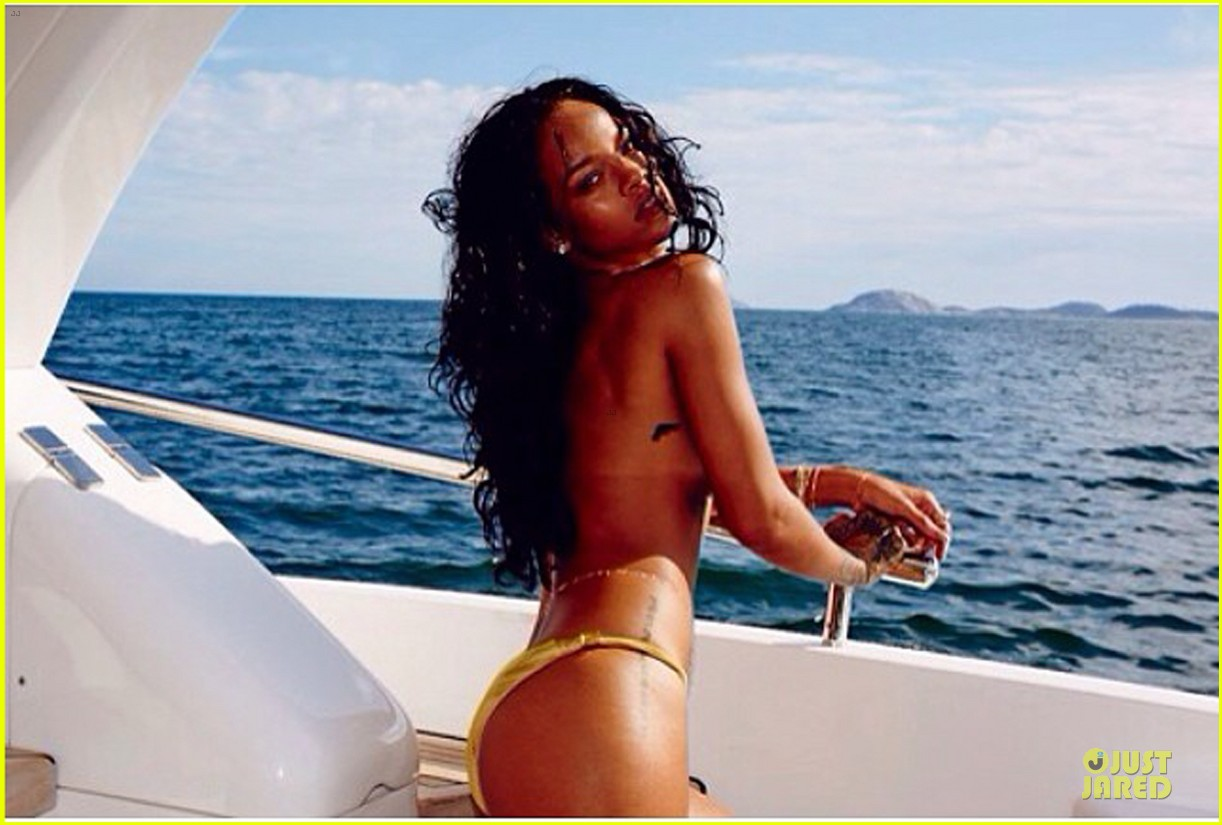 rihanna topless sexy on a yacht 023037414