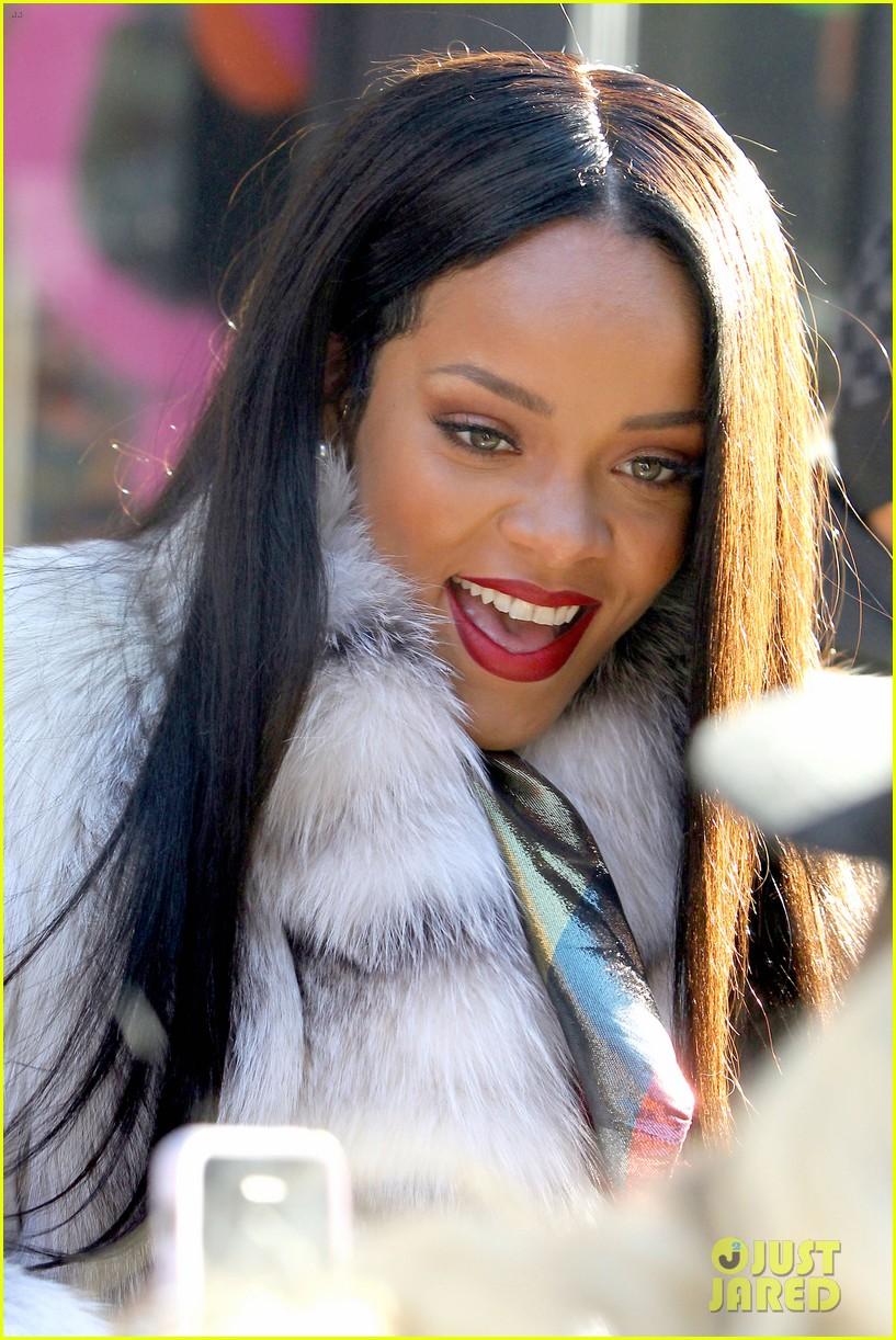 rihanna launches her viva glam cosmetics line in nyc 12