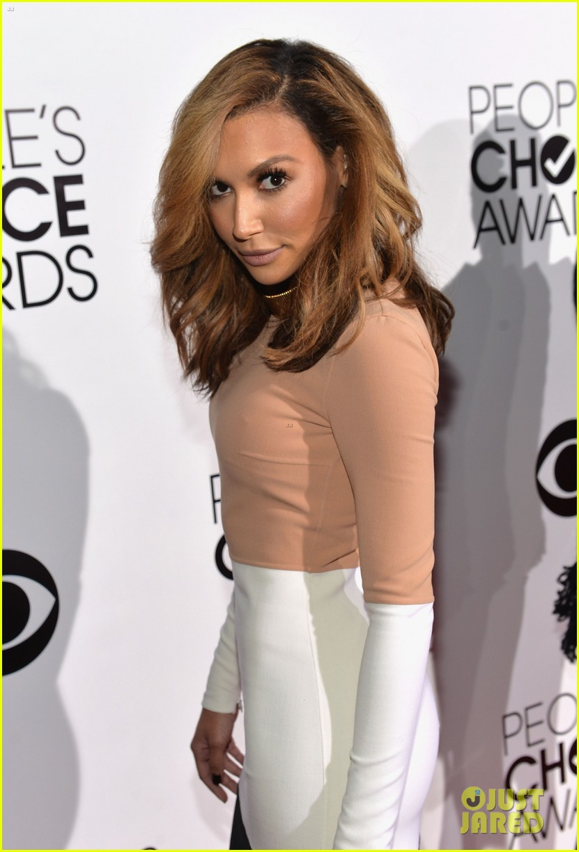 naya rivera goes blonde at peoples choice awards 2014 08