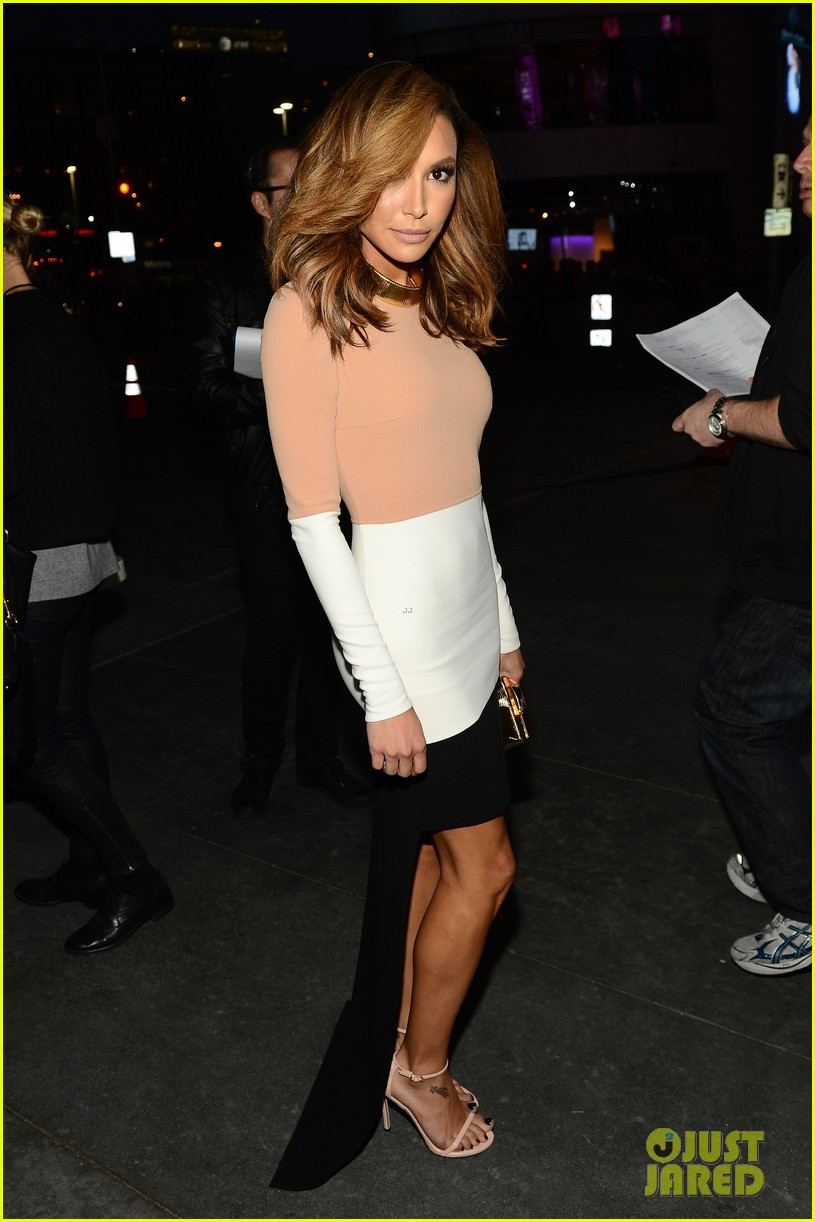 naya rivera goes blonde at peoples choice awards 2014 14
