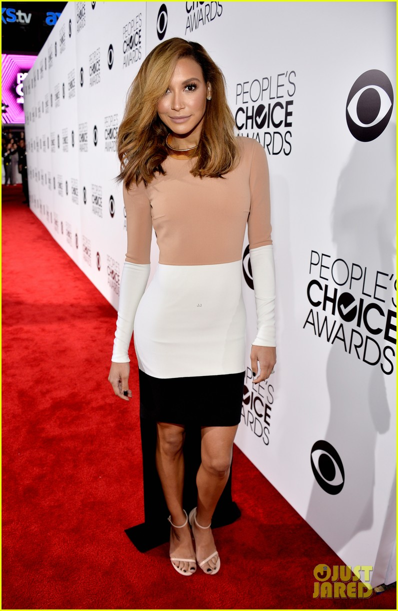 naya rivera goes blonde at peoples choice awards 2014 17