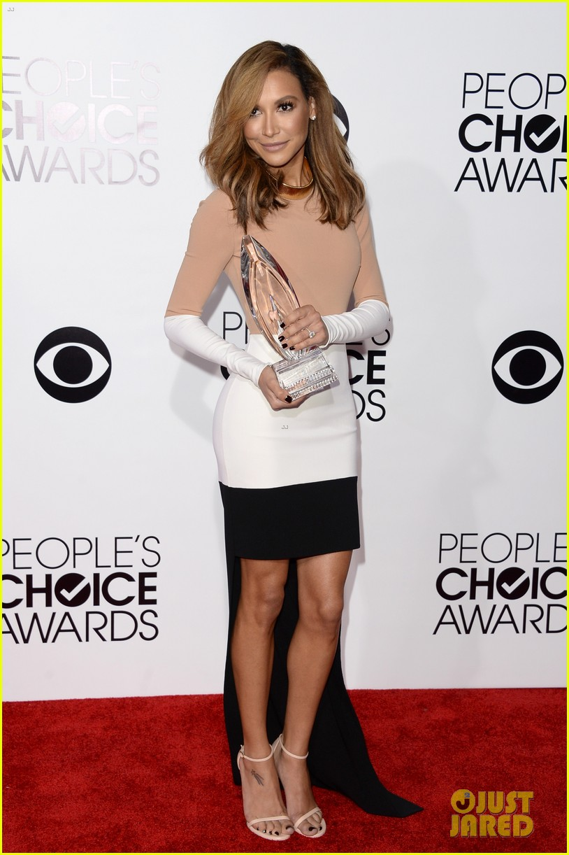 naya rivera goes blonde at peoples choice awards 2014 19