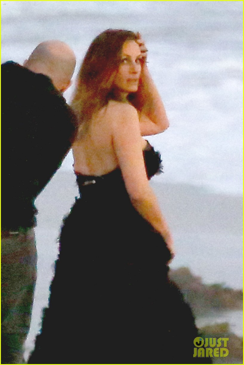 julia roberts wears elegant gown for beach photo shoot 043043845
