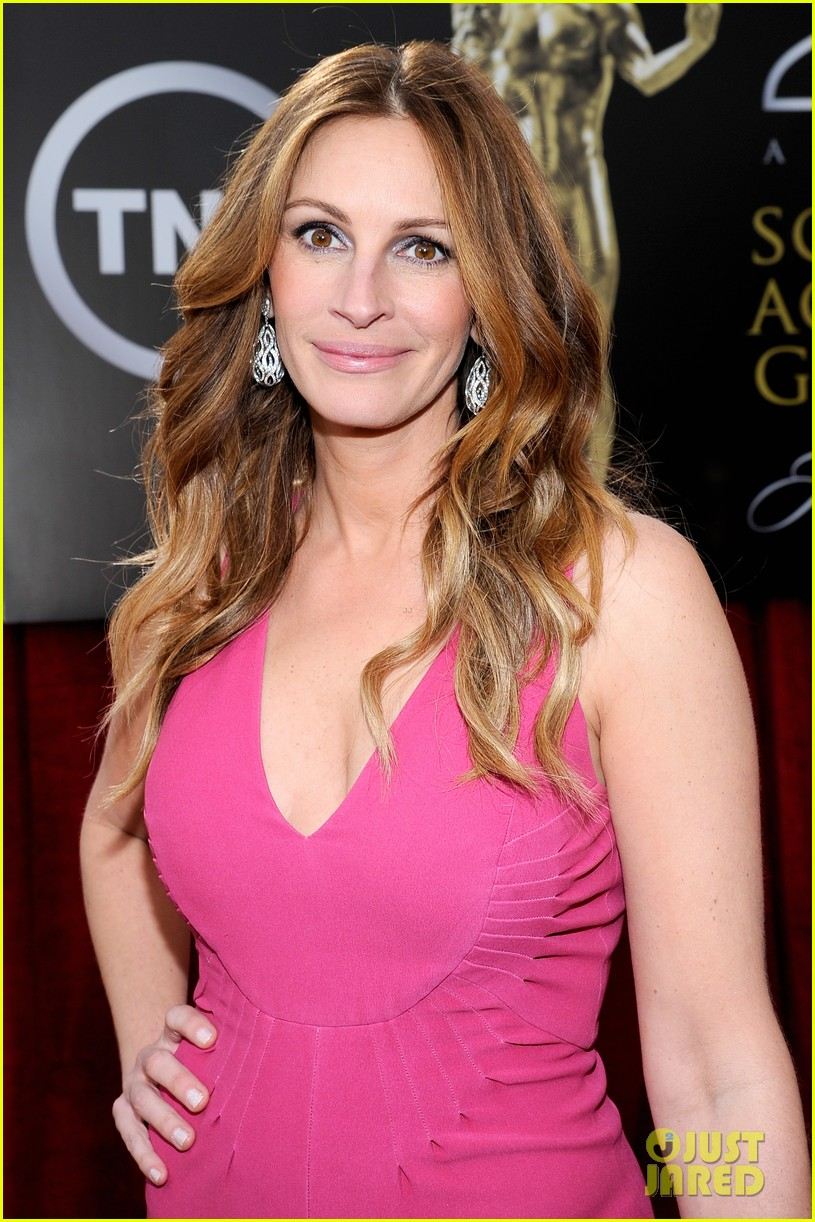 julia roberts sag awards 2014 red carpet 02