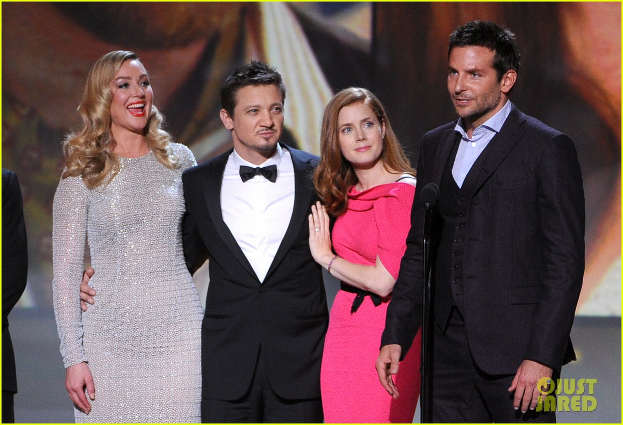 elisabeth rohm jeremy renner critics choice awards 2014 053033026