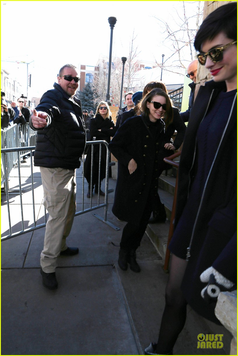 anne hathaway photobombs rooney mara at sundance 053037502