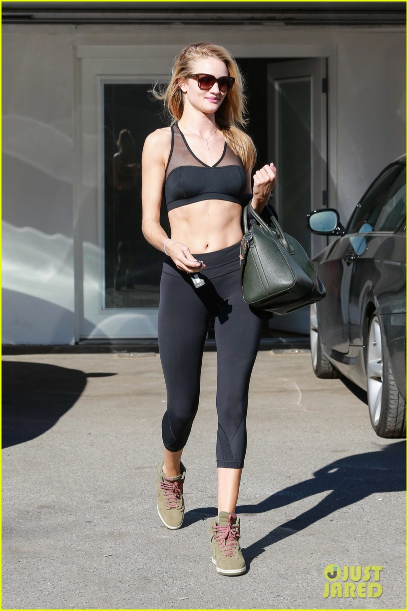 rose huntington whiteley dons sheer sports bra to gym 113035519
