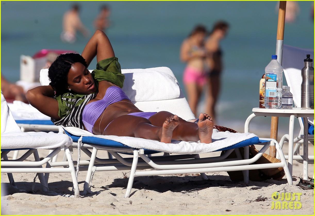 kelly rowland miami beach bikini babe 14