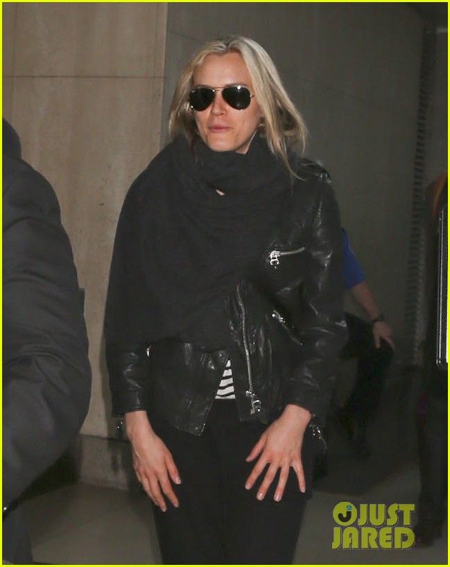 taylor schilling arrives in los angeles for golden globes week 04