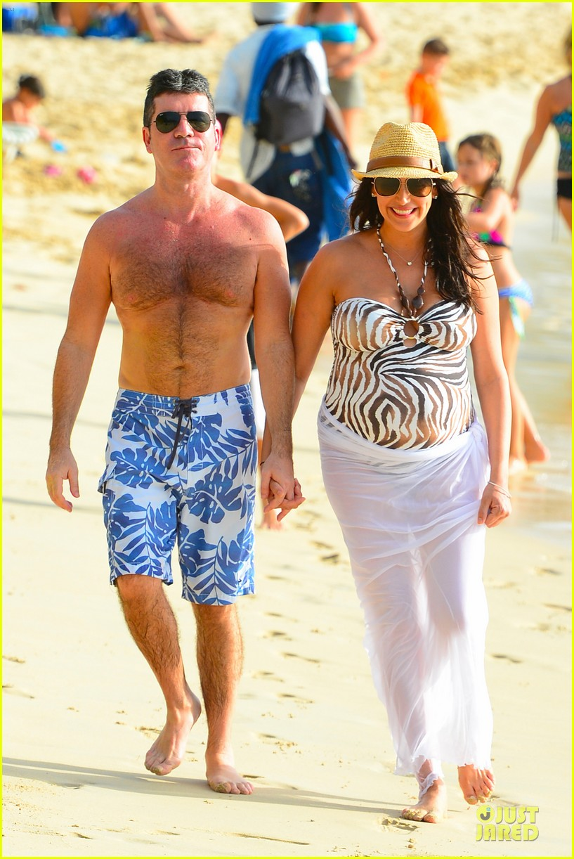 simon cowell lauren silverman hold hands on new year eve 07