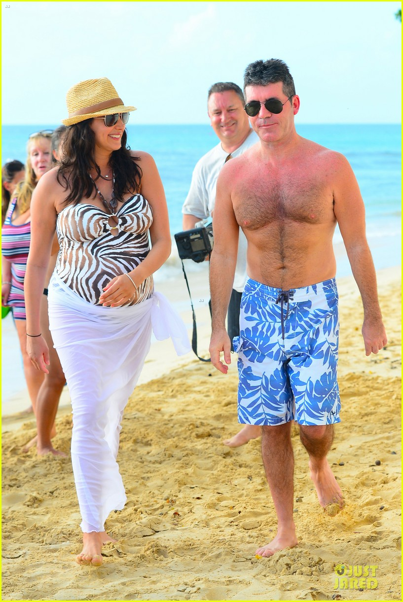 simon cowell lauren silverman hold hands on new year eve 263020731