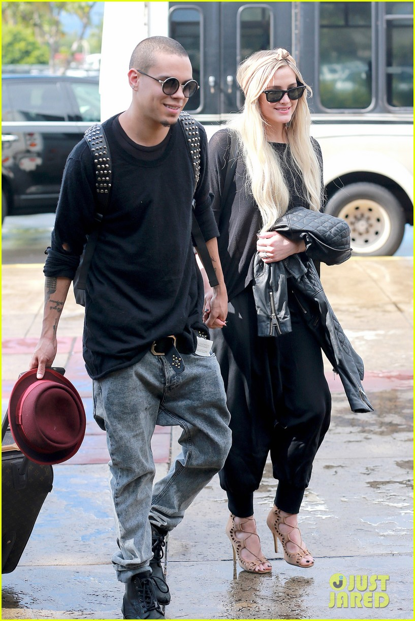 ashlee simpson evan ross fly out after engagement 163032682
