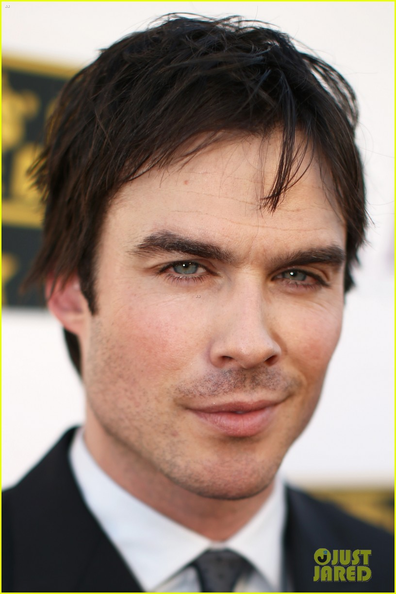 ian somerhalder critics choice movie awards 2014 red carpet 07