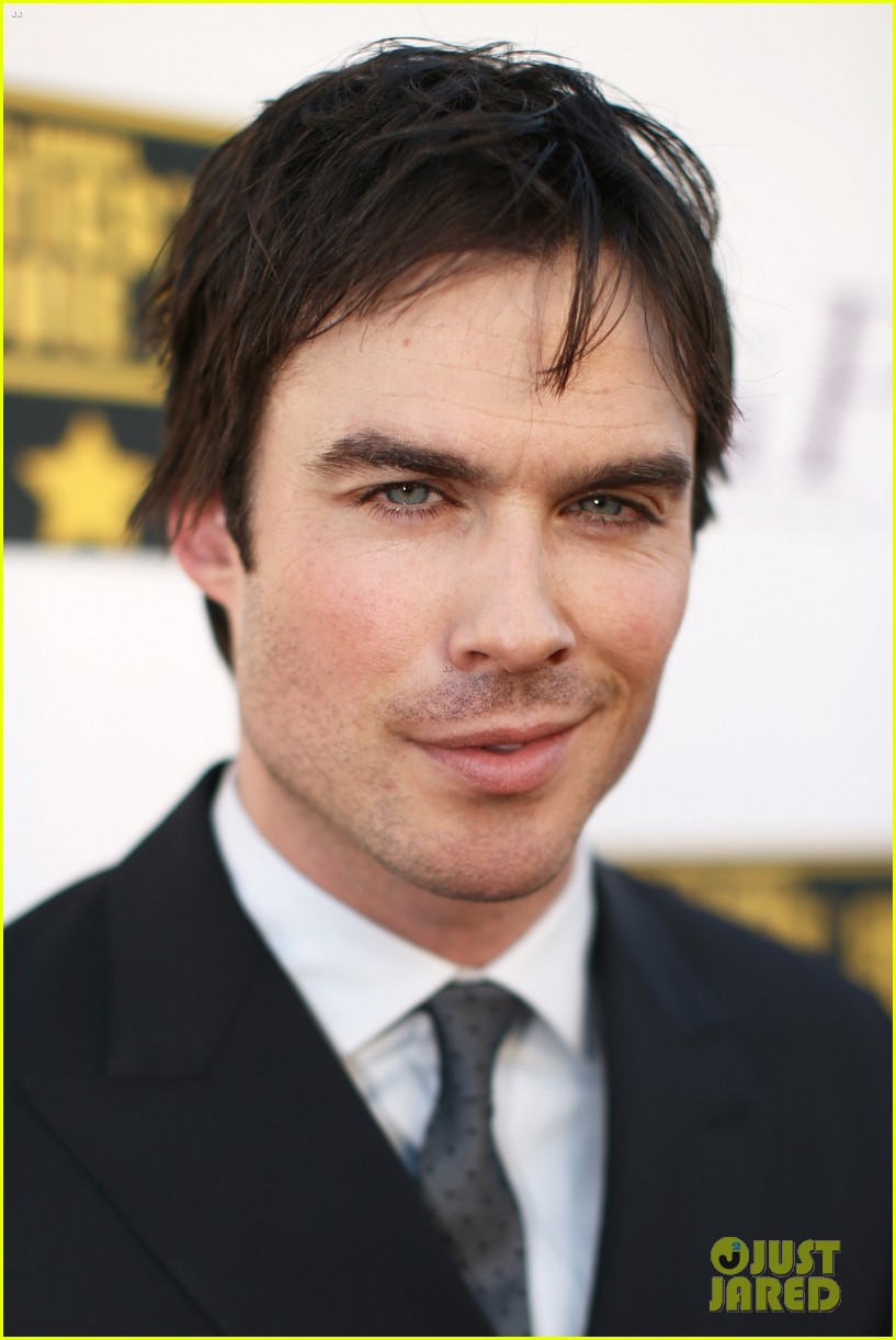 ian somerhalder critics choice movie awards 2014 red carpet 08