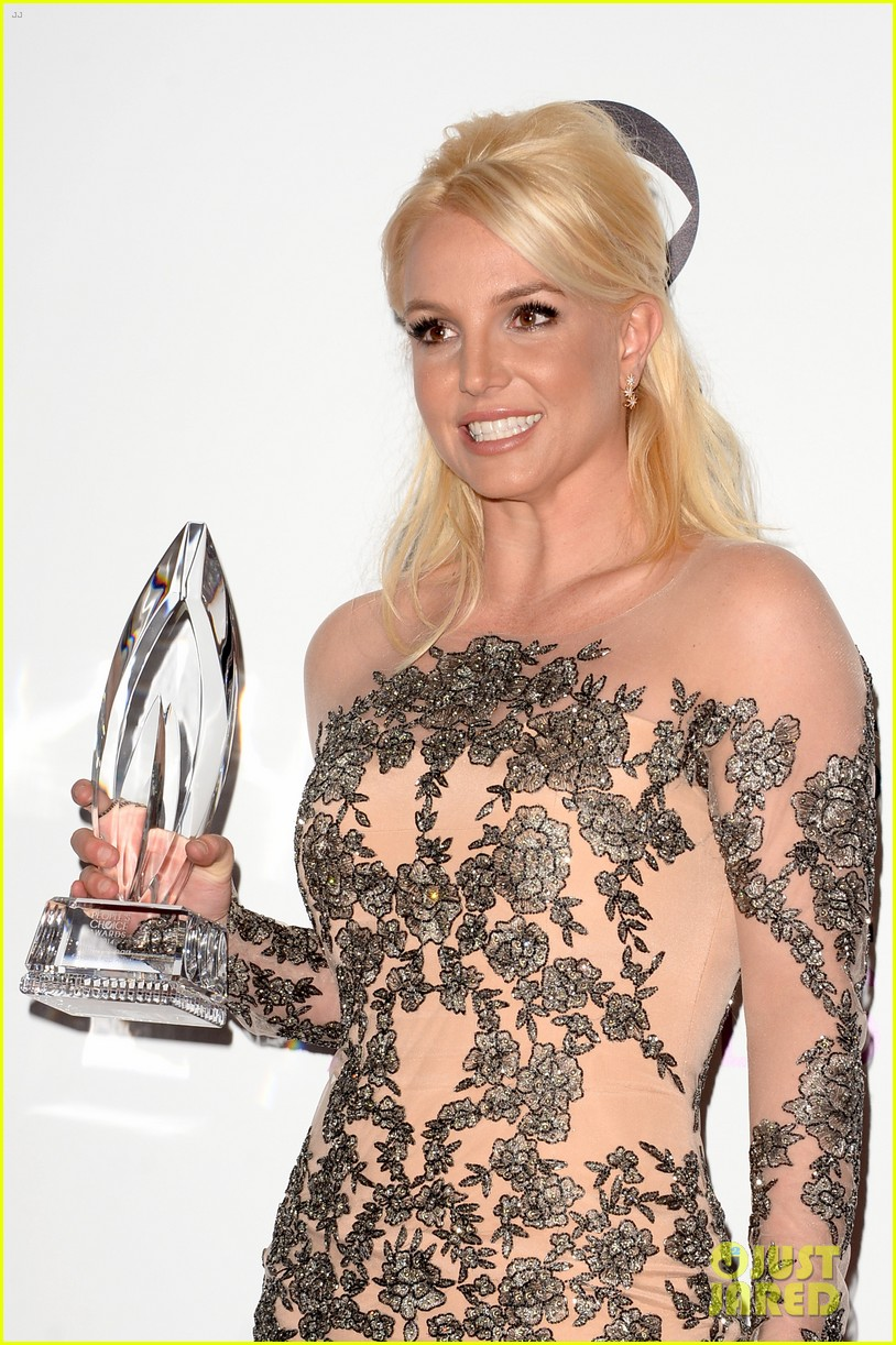 britney spears peoples choice awards 2014 with david lucado 10