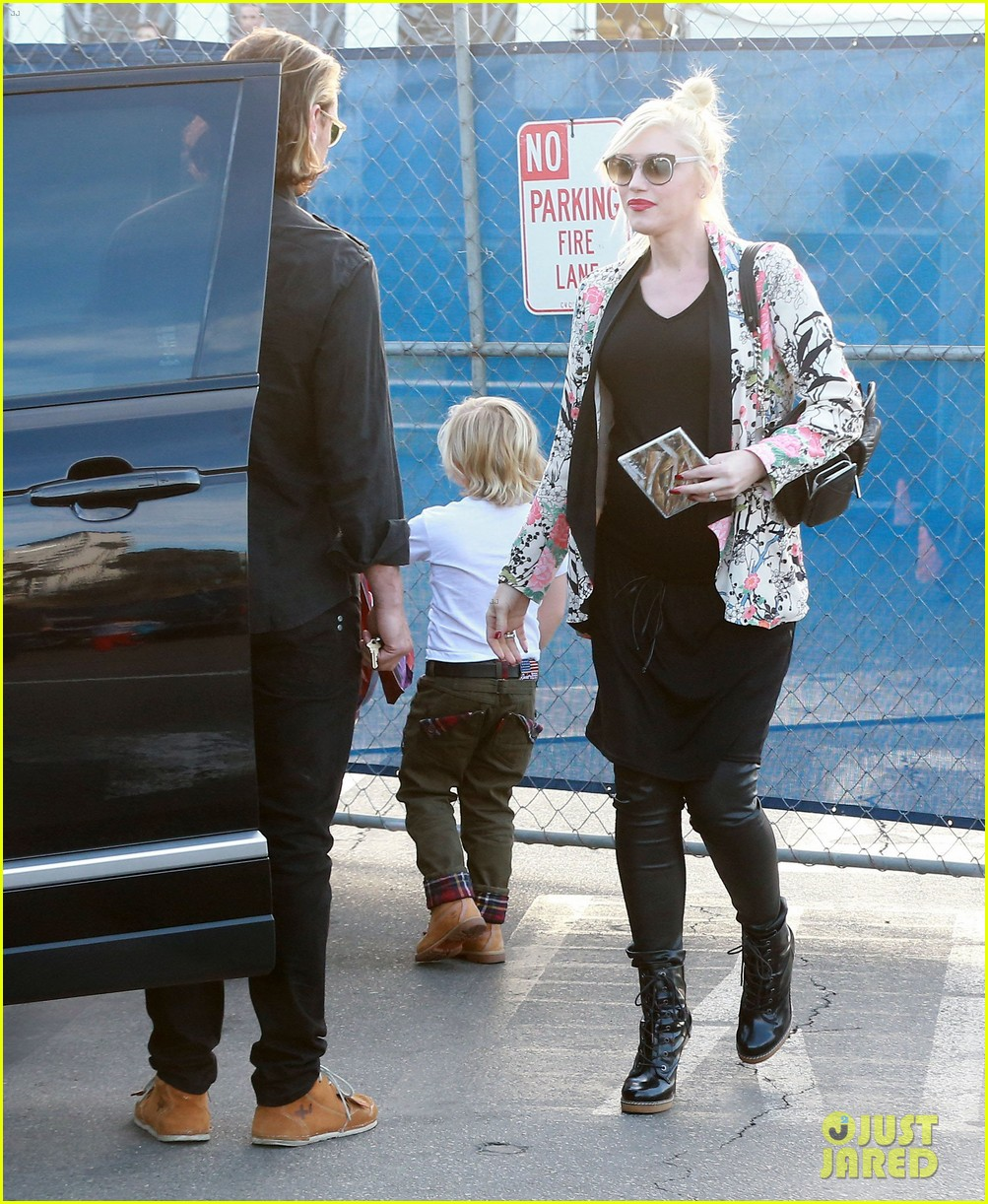 gwen stefani steps out with the family after baby boy news 08