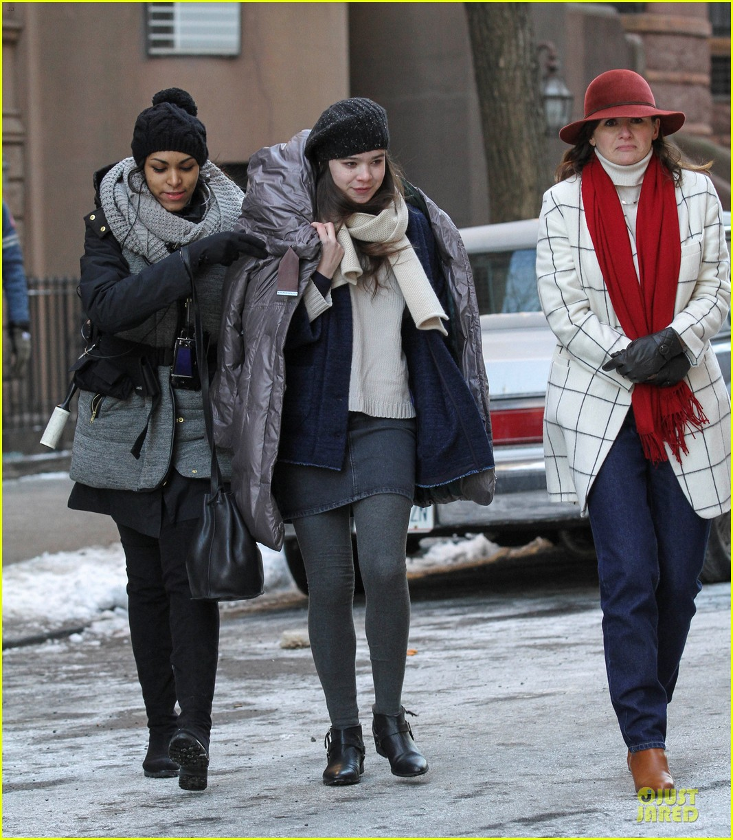 hailee steinfeld emily mortimer battle the cold for thousand saints 09