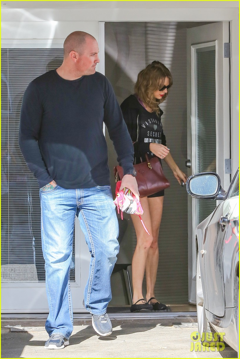 taylor swift shows victorias secret pride at the gym 103023942