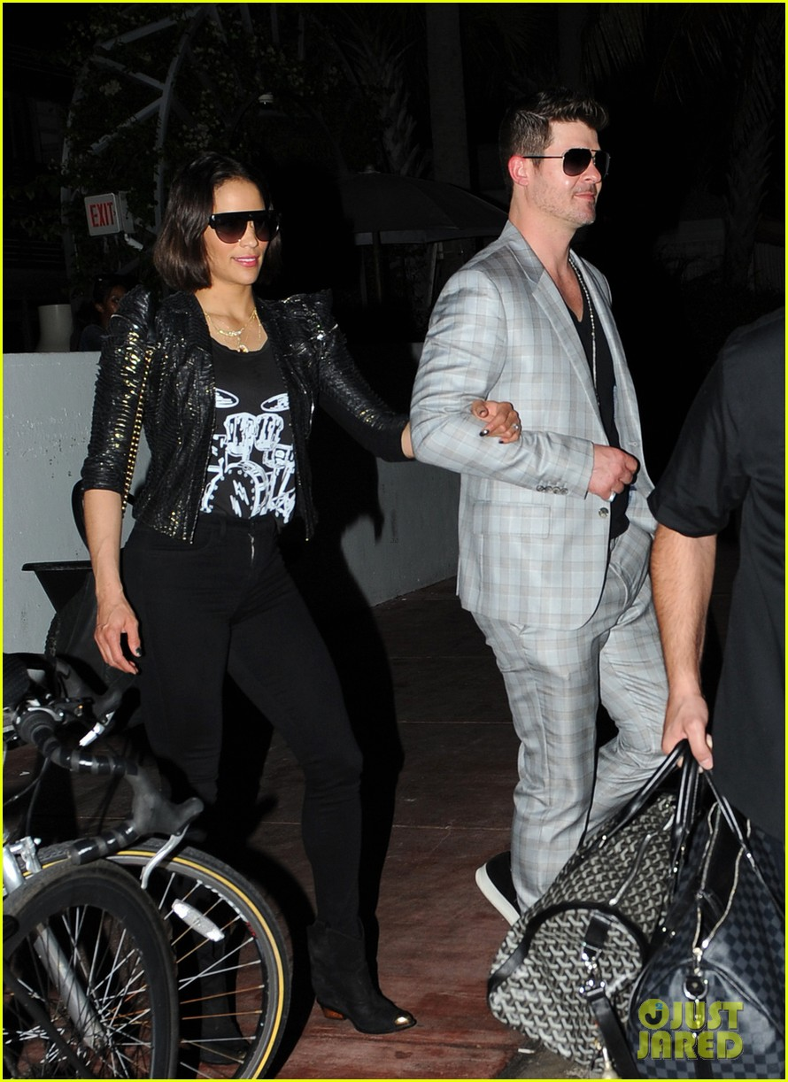 robin thicke paula patton from miami to lax 03