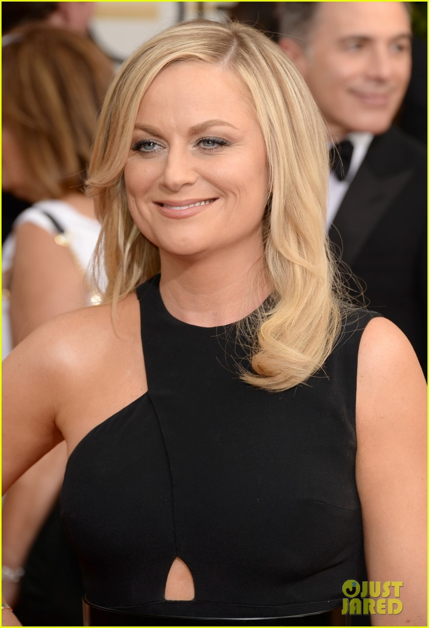 amy poehler tina fey golden globes 2014 red carpet 02
